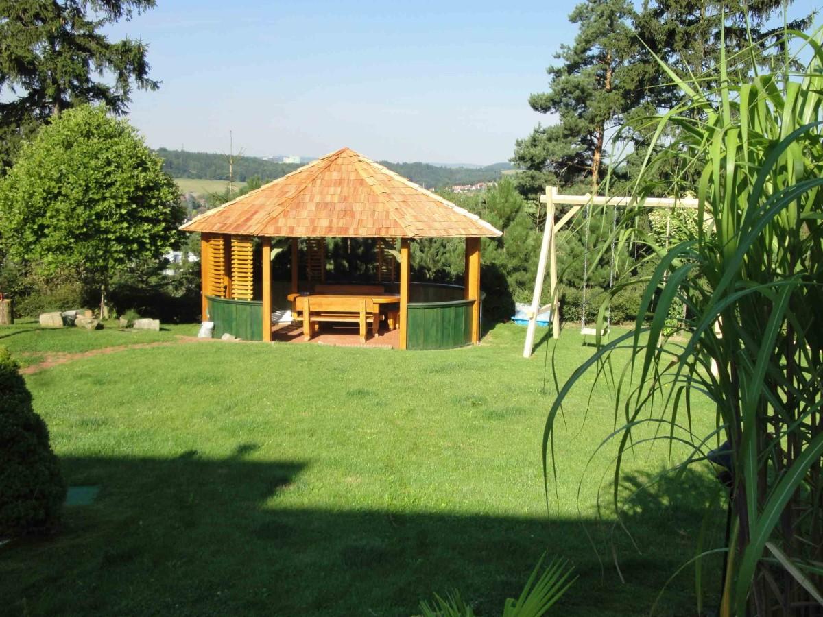 zahradnicke_sluzby_drevene_prvky__mobiliar_zahrad