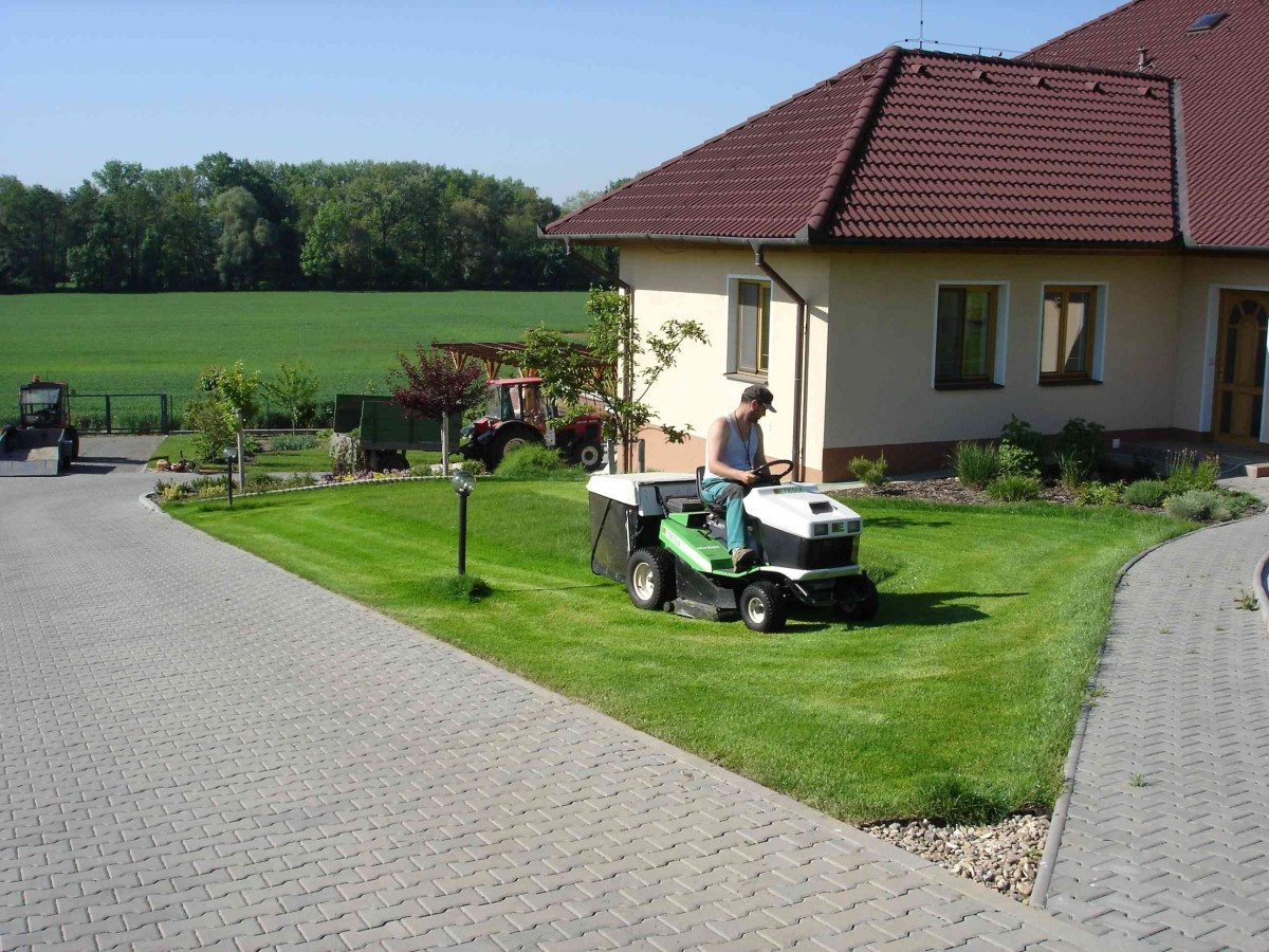 zahradnicke_sluzby_seceni_travniku
