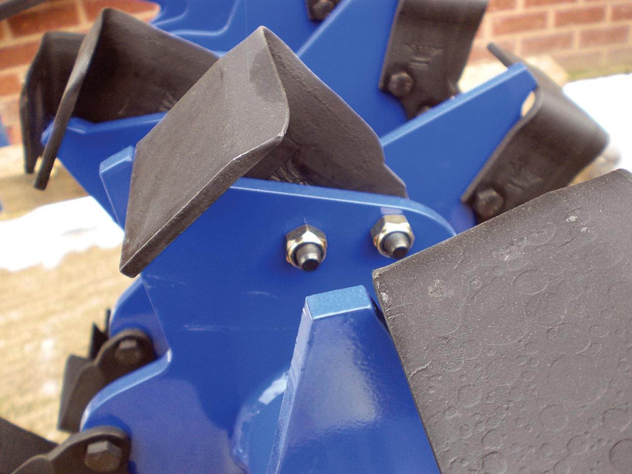 Zakladní hřídel s noži ve tvaru L