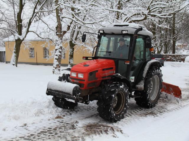 úklid sněhu_strojní